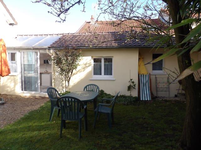 maison calme 20 mn paris - Conflans-Sainte-Honorine - บ้าน