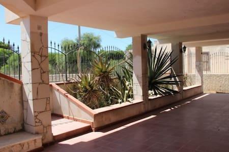 Villa a 150 metri dal mare - Pachino - Villa