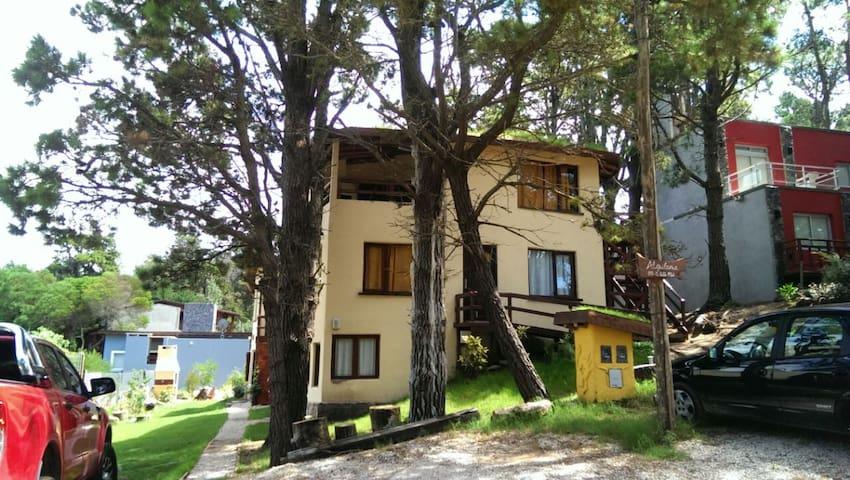 Casa Tierra - Cabaña en PB con 2 habitaciones - Mar Azul - Cabin