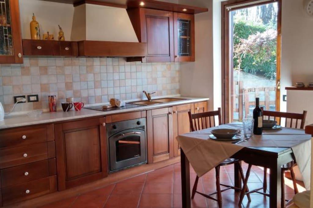 la cucina e la sala pranzo