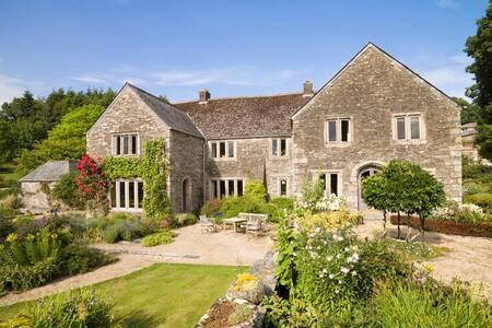 Luxurious National Trust property - Dartmoor, Devon - Bed & Breakfast