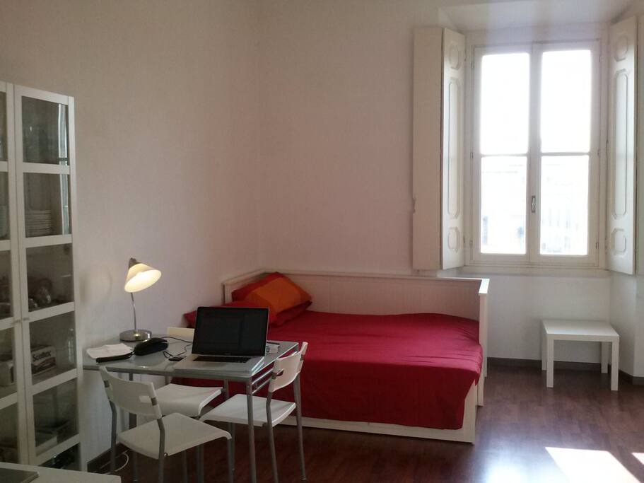 Bed corner and panoramic window