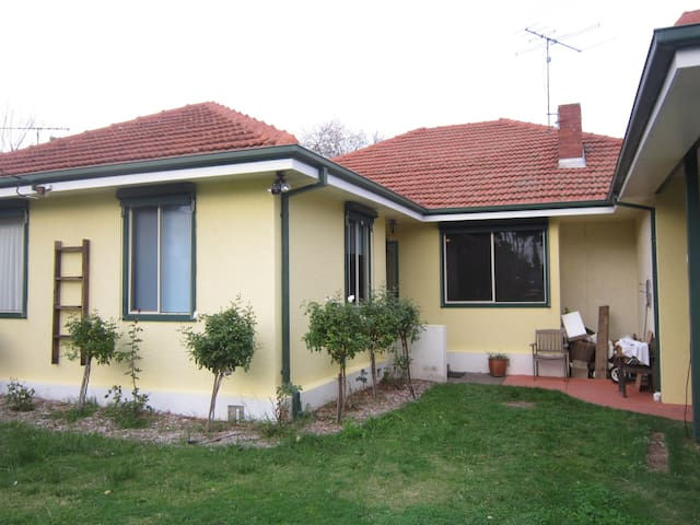 Cosy home in a perfect location - Hampton East