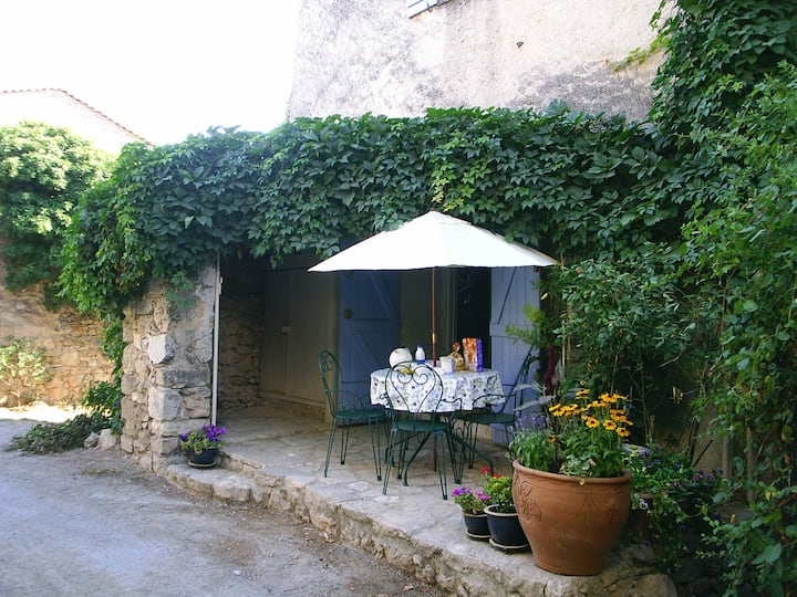 Charming old stone house with airco