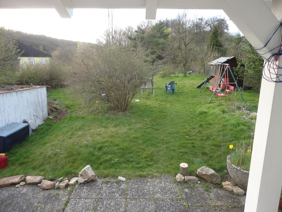 Ein Eindruck vom großen Garten aus Sicht des Hauses