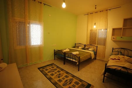 Family-run guesthouse in Cana - כפר כנא - Bed & Breakfast