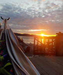 Camano Retreat - right on sandy beach