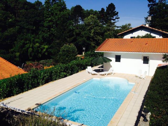 Maisonnette avec piscine privée - Urrugne - Haus