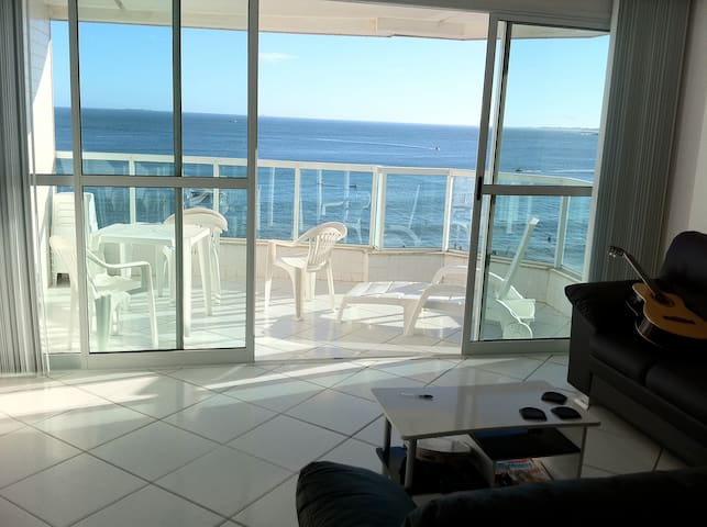 Exuberant apartment facing the sea - Guarapari - Apartemen