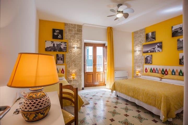 Antico Borgo Erice gialla