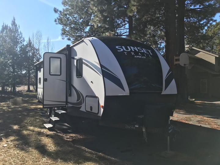 Cute RV in Sisters with great location and views!