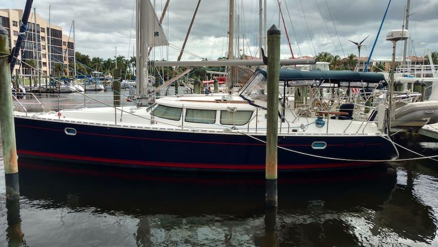 40' Sailboat in Paradise - Punta Gorda - Boat