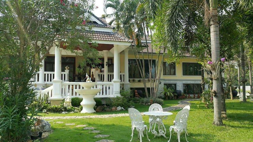 Chiangmai Chao Nang Residence - Tambon Rim Tai - House