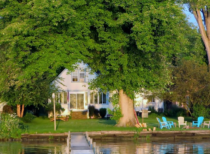 Lakefront Home near Chaut Inst