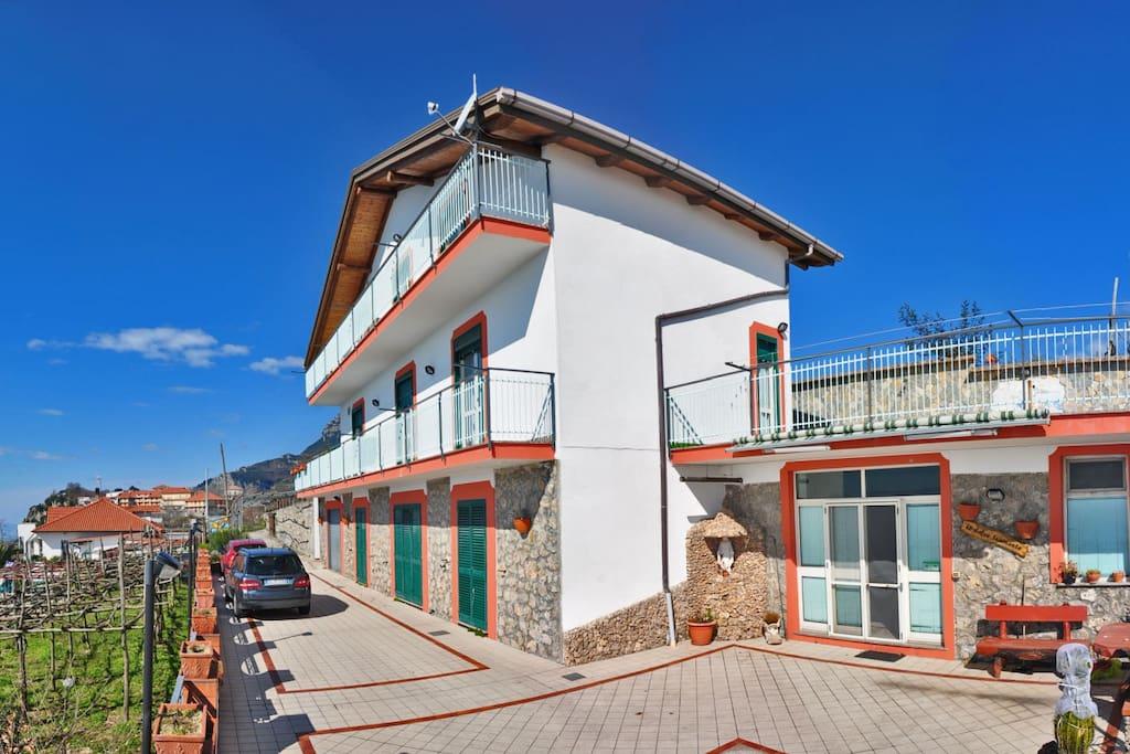 La casa - l'appartamento è situato al secondo piano