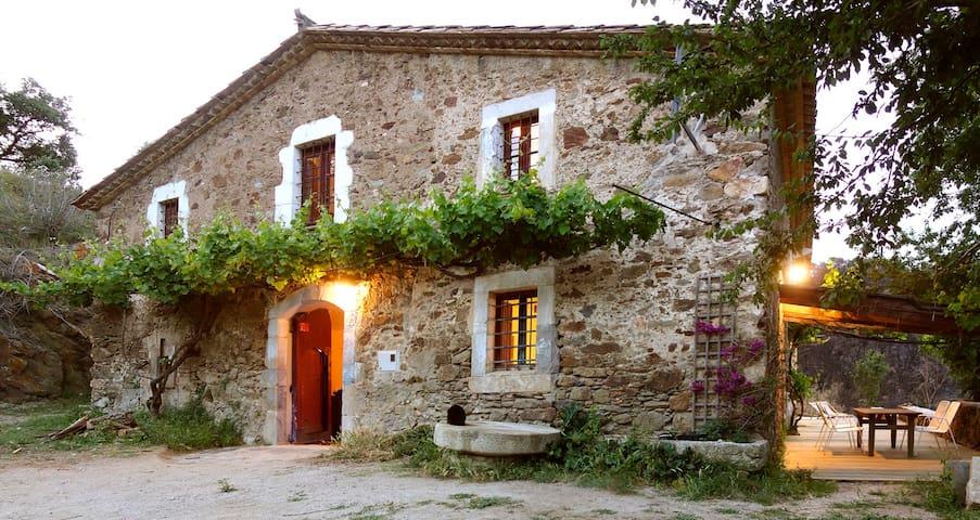 "Rustic ""Mas"" Farmhouse in Baix Emporda/Costa Brava - Vall-llobrega - Talo"