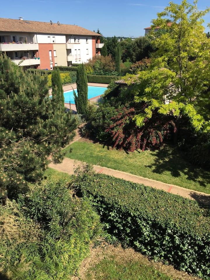 Grand Studio, 30m2, résidence sécurisée, piscine.