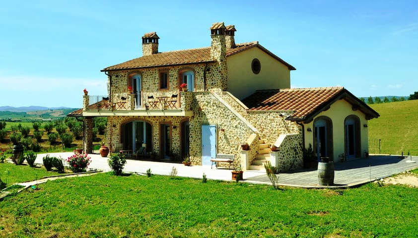 Casale pervinca - Marsiliana - House