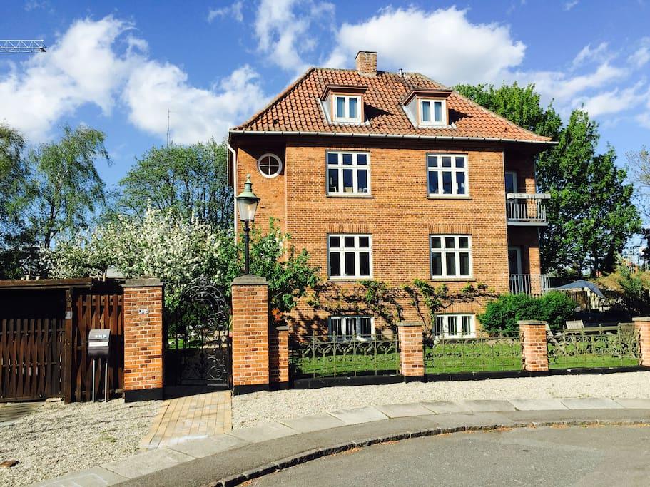 big central located house h user zur miete in kopenhagen d nemark. Black Bedroom Furniture Sets. Home Design Ideas