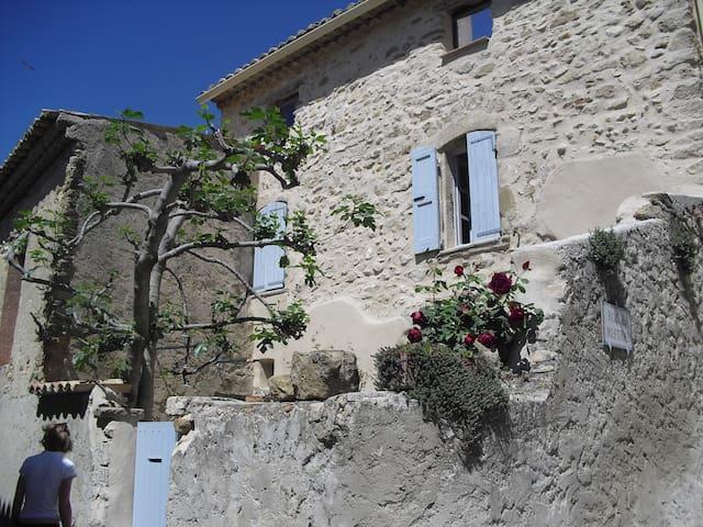 coup de coeur proche Mont Ventoux - Roaix - Hus