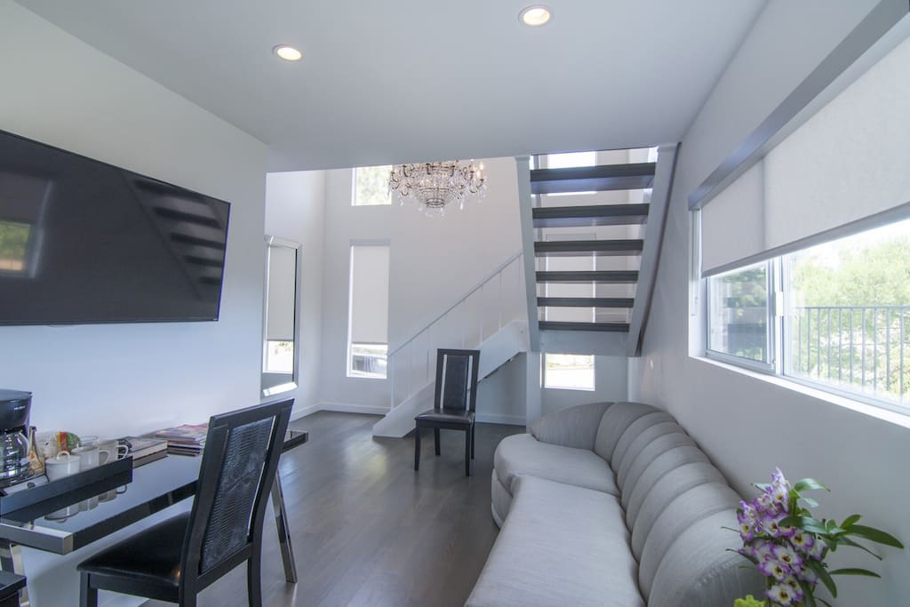 West hollywood hills guest house views suite degli for Piani di casa con guest house annessa