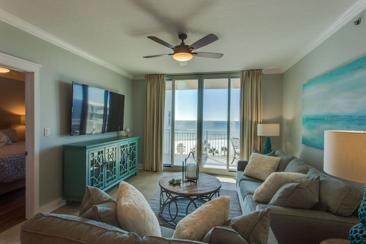 Waterscape A606 ~ Designer Remodeled in 2017 ~ 70in 4k TV w/XBox ~ Beach Service