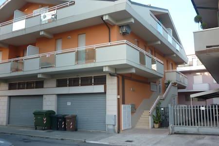 appartamento nuovo a 150 dal mare - Martinsicuro