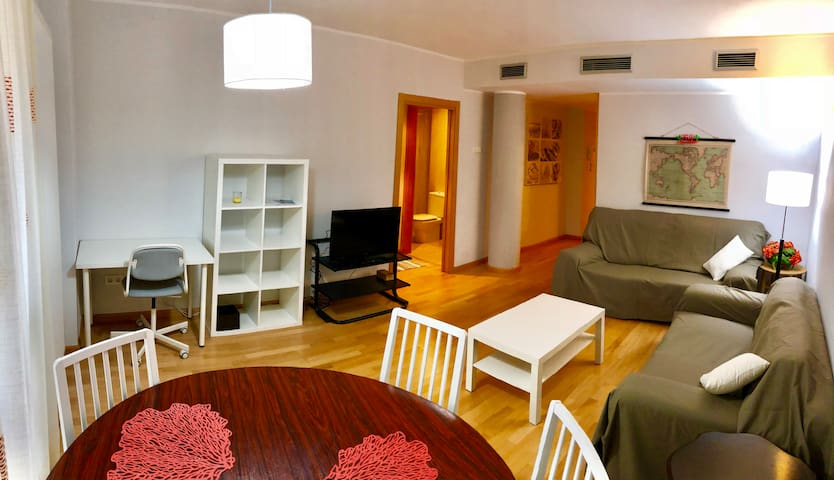 Cozy spot downtown Zaragoza - Parking included