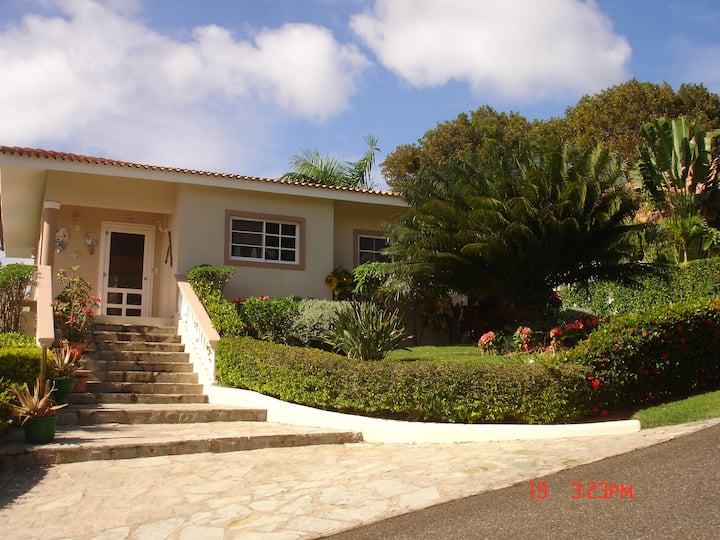 Villa within walking distance to the town & beach