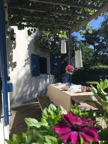Petite maison tout près des plages