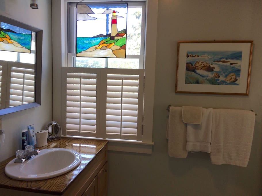 Plenty of fresh air and natural light in the bathroom