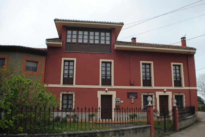 Entorno rural .Apartamentos Rurales Ovio - Ovio, Nueva de Llanes - Flat