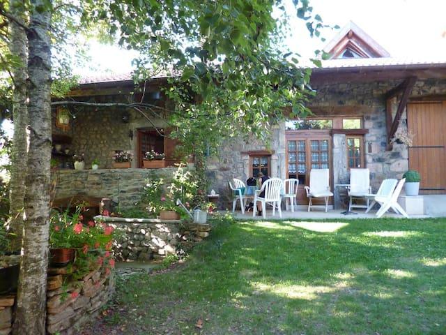Charmante Maison de Campagne Gite athipique - Tramayes - Hotel ekologiczny