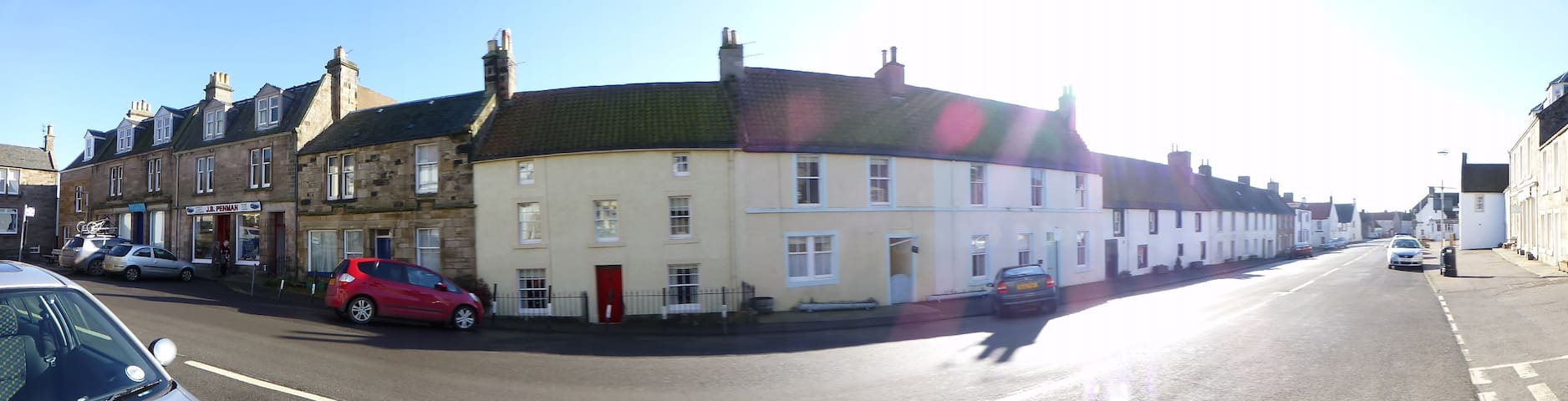 Crail High Street-2 mins from Harbour.
