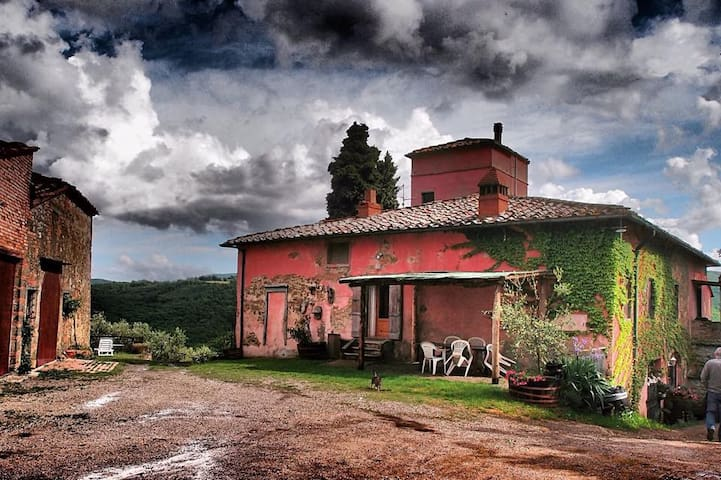charming tuscan farmhouse