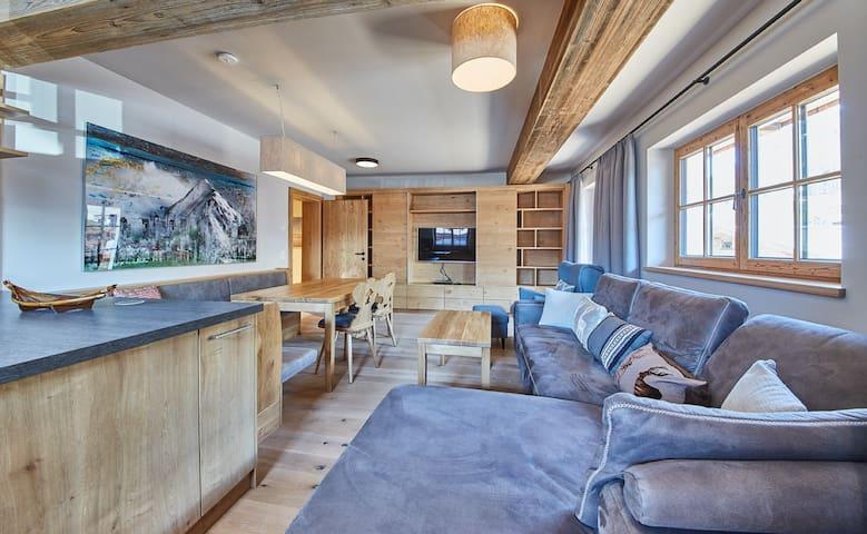 Apartment in luxury chalet in Saalbach-Hinterglemm