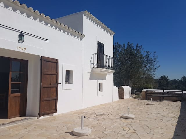 Traditional and Cozy Villa from 1903 in Ibiza