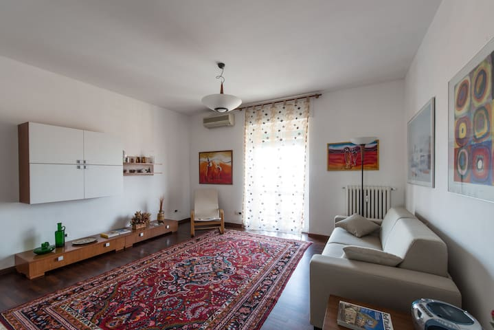 Appartamento 4 posti - 4-beds quiet apartment - Bresso - Wohnung