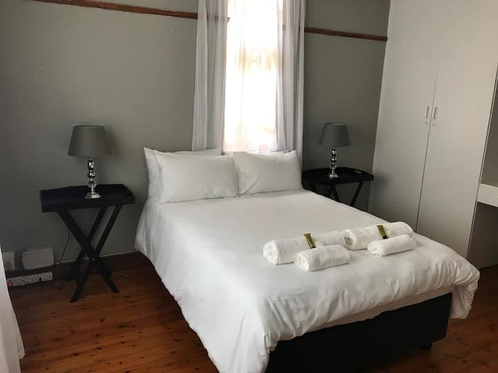 12 on Brecher - Self-Catering Apartment