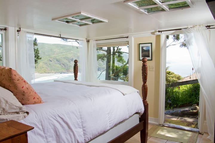 Magical Beach/Ocean Front Getaway  - Muir Beach - Apartment