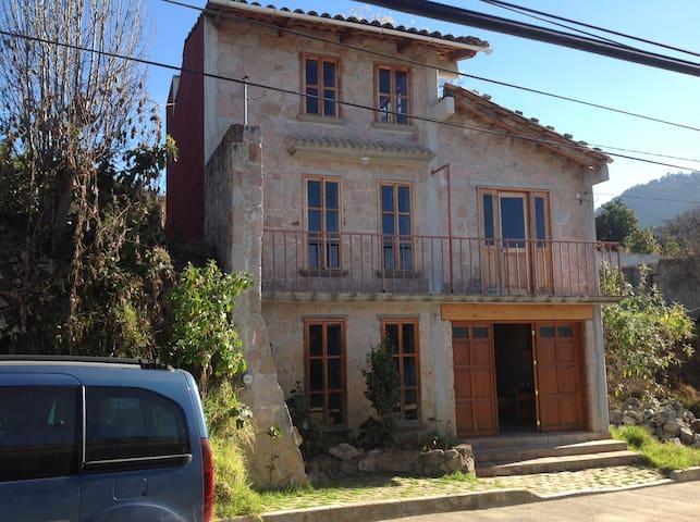 La casa de Piedra Rosa