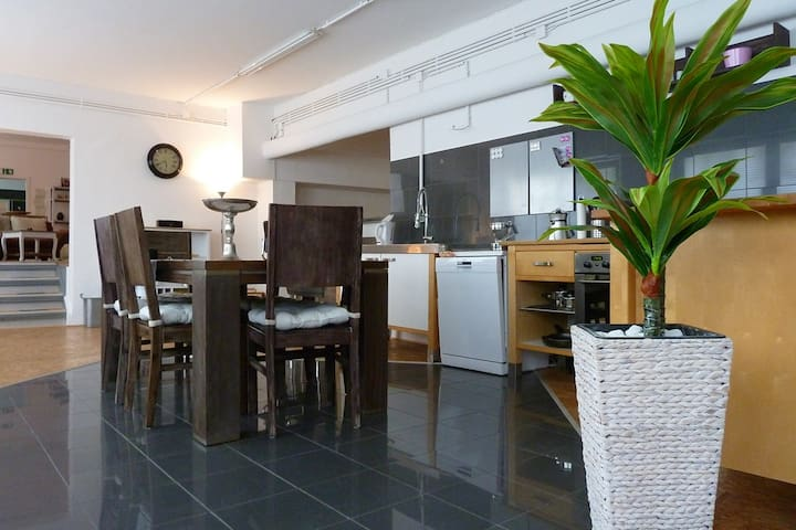 ** 240 m² City-LOFT in Essen **