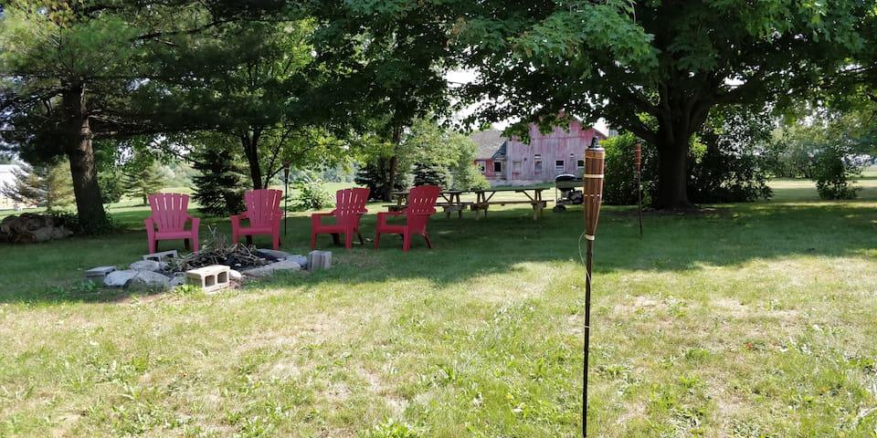 Back Yard / Fire Pit