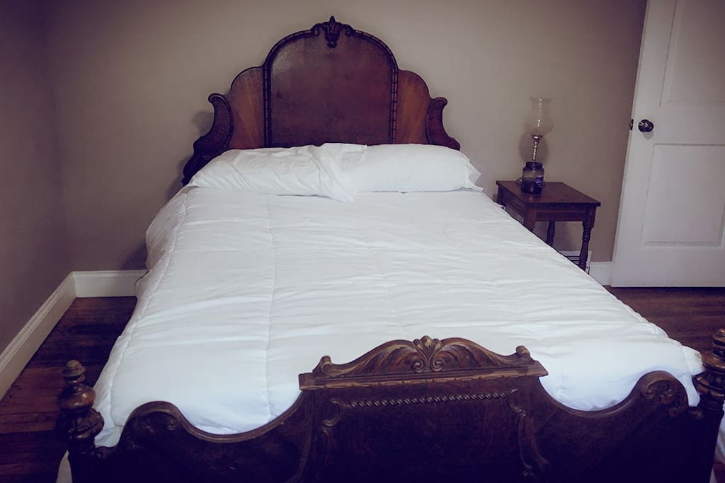 Beautiful Full Antique Bed