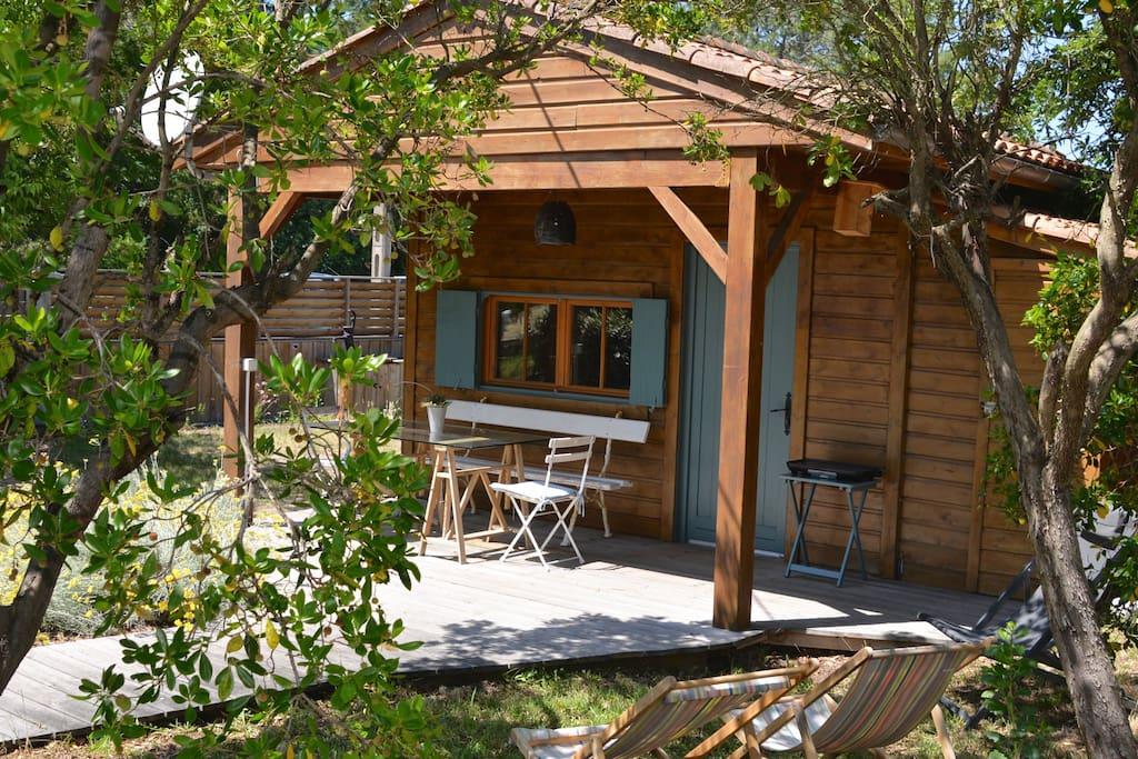 petite maison en bois toute proche de l 39 eau locations saisonni res louer l ge cap ferret. Black Bedroom Furniture Sets. Home Design Ideas