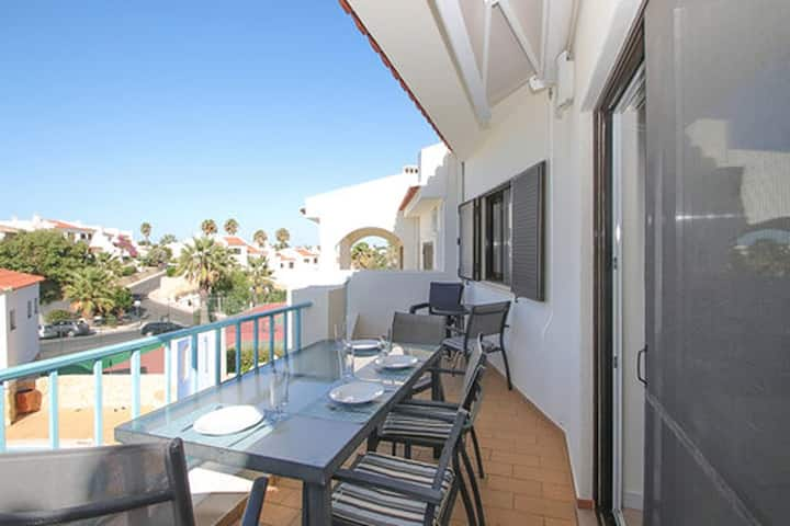 Beautifully 2 Bedroom Apartment - Monte Dourado