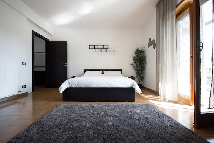 Brand new modern Rooms & Apartments