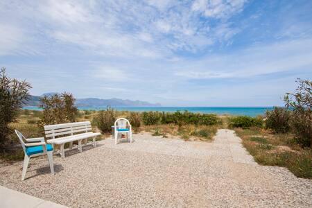 meravigliosa stanza sulla spiaggia - Alcamo Marina