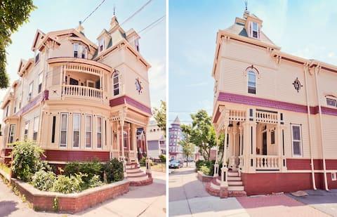 Harvard's Historic Dollhouse/pvt deck in Union Sq