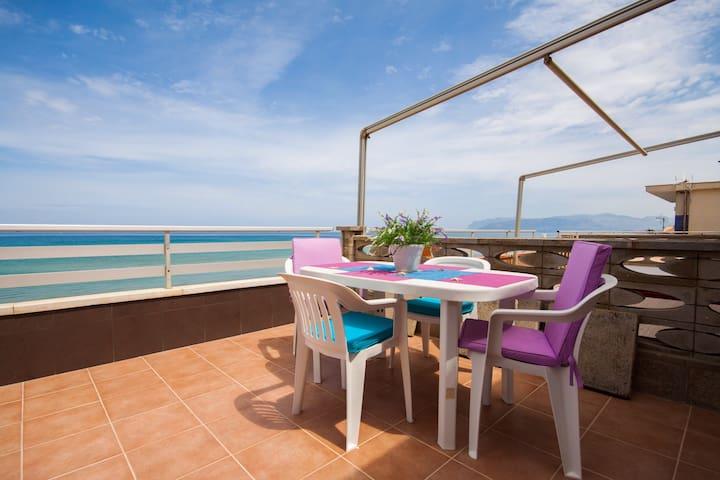 Casa vacanze a 20 metri dal mare - Alcamo Marina - Huoneisto